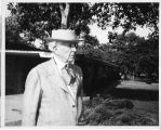 [Frank Lloyd Wright's visit to Florida Southern College in May of 1949: variation 5]